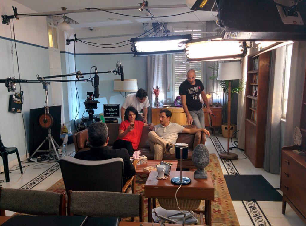 """מריאנו ורותם אבוהב מתוך צילומי הסדרה """"לה פמיליה"""" ערוץ 10"""